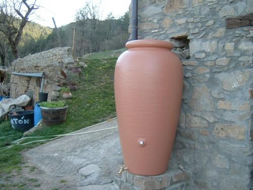 Dep sito nfora recuperar el agua de lluvia para el riego - Deposito de agua de lluvia ...
